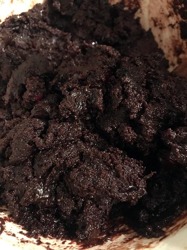 space-cake-fekete-lyuk_05.jpg
