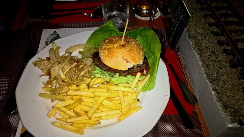 lakomativ-hamburger.jpg