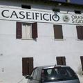 Garda gasztrotúra 3. nap – egy földrengést túlélő parmezángyár és a Ferrarik szentélye, Maranello