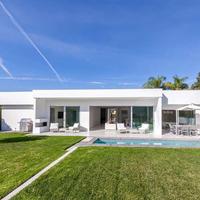 Eladó Milla Jovovich háza