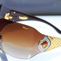 Ilyen egy 100 millió forintos napszemüveg