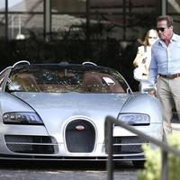 Schwarzenegger megsétáltatta Bugattiját