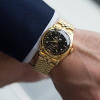 Őrült árakon ment el két Rolex