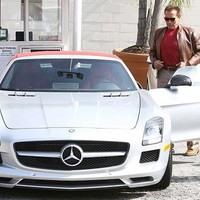 Schwarzenegger 60 milliós Mercije