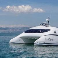 Futurisztikus jacht a luxusvendégeknek