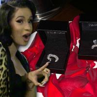 Cardi B 4 millió dolláros ajándéka
