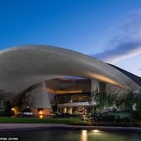 Futurisztikus csodapalota 50 millió dollárért
