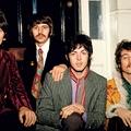 Irtó drágán eladók ronda Beatles-korsók