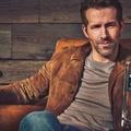 Bődületeset kaszál Ryan Reynolds