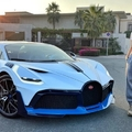 Egy 8 millió dolláros Bugatti Divo volánja mögött