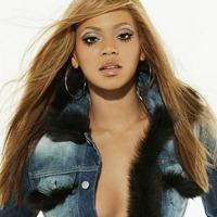 Gyémántberakásos babakocsi Beyoncé gyerekének