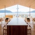 Különleges úszó hotel az új szenzáció