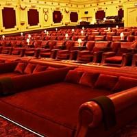 Luxus moziélmény ágyból
