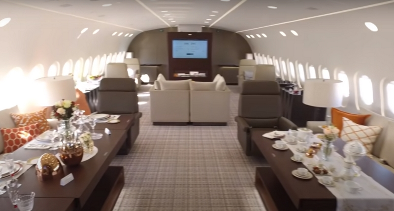 boeing_787_dreamliner_private.jpg