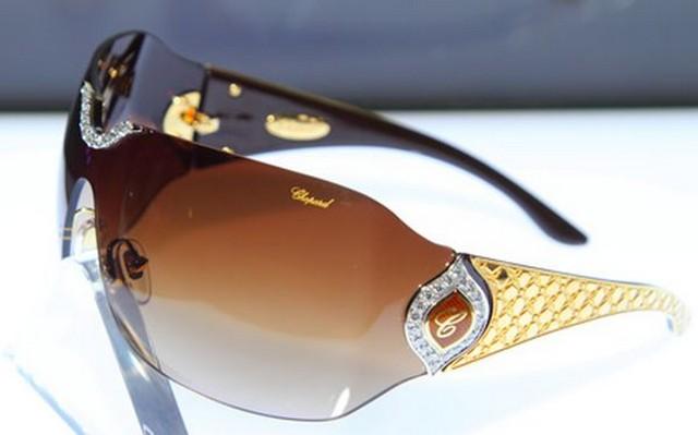 Ilyen egy 100 millió forintos napszemüveg - Gazdagisztán 327e089c02