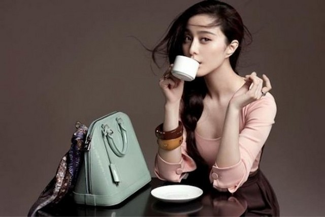 Louis Vuitton reklám logó nélkül.jpg