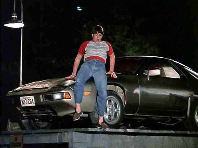 Porsche 928s Tom Cruise.jpg