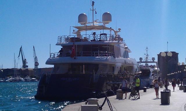 SeaBluez kikötőben 2.jpg