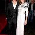 Breaking news! Angelina Jolie fehéret viselt!