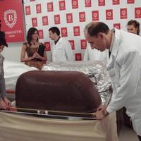 Új magyar rekord: elkészült a világ legnagyobb szaloncukra