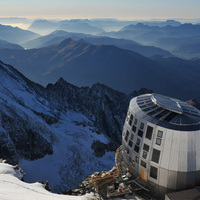 High-tech menedékház a Mont Blanc tetején
