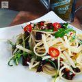 Spagetti szárított paradicsommal és fokhagymával