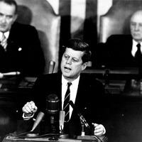 Kennedy: gerincbetegsége vezetett a halálához?