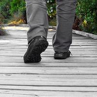 A gördülő talpú cipő esete az idült derékfájdalommal
