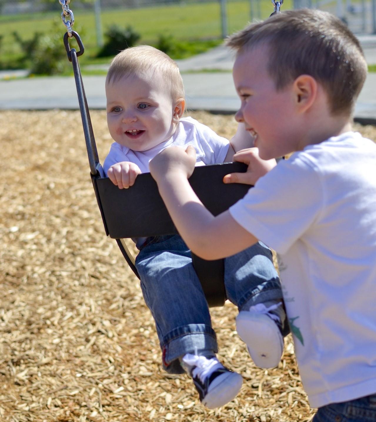swing-1388554_1920.jpg