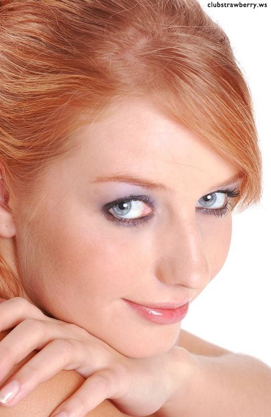 sexy_redhead_01.jpg