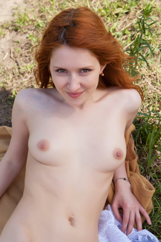 MetArt_Enticing_Dariya-A_by_Rylsky_medium_0044.jpg