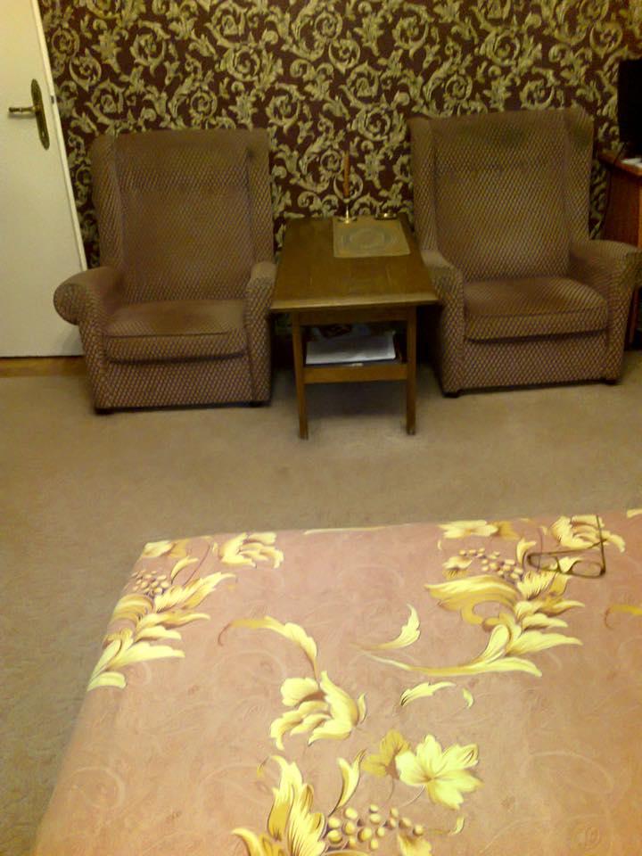 Ingyen elvihető bútorok - Bp. XI. kerület - Giveaway 796efe9b6d