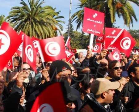 1327765609-tunisians-protest-fundamentalist-and-salafist-attacks-on-journalists-_1023092.jpg
