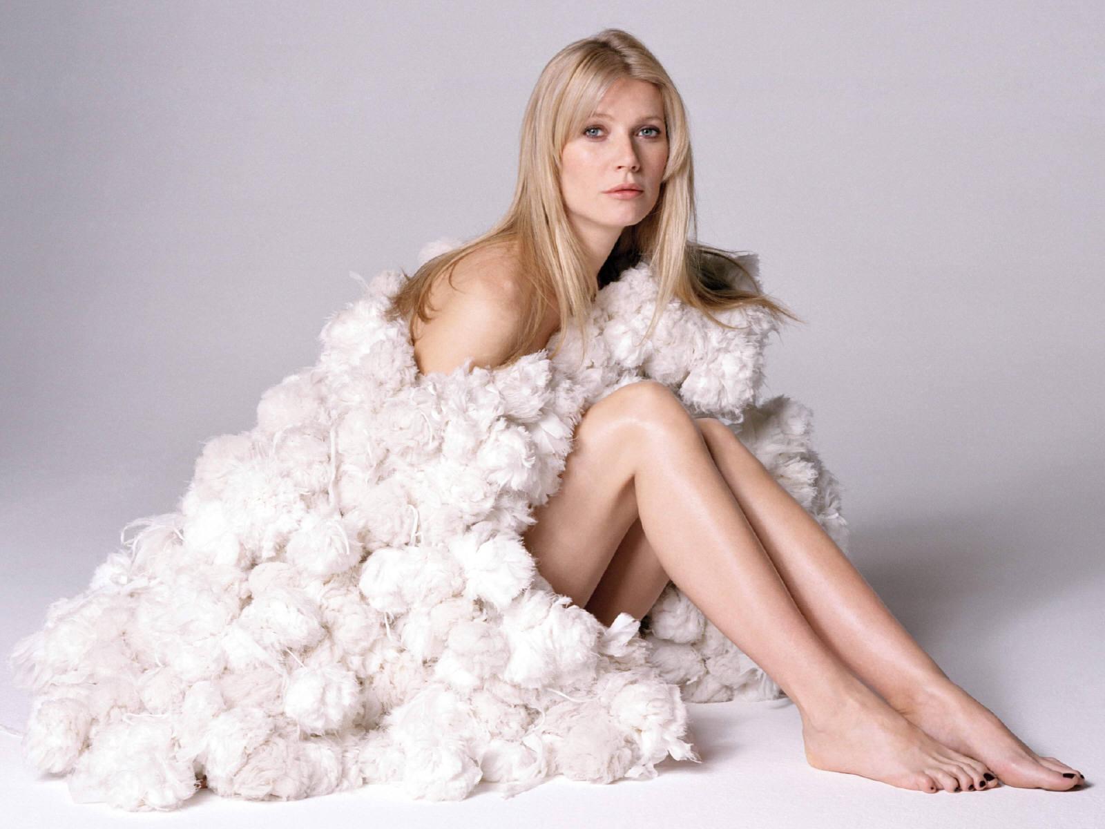 gwyneth-paltrow-sexy.jpg