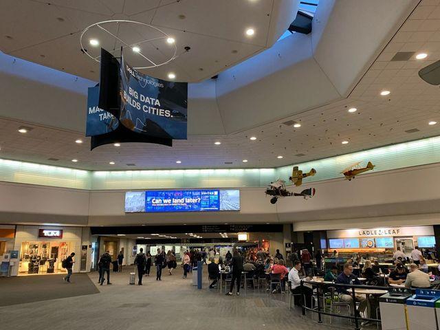 A San Franciscó-i repülőtér száműzi a műanyagot
