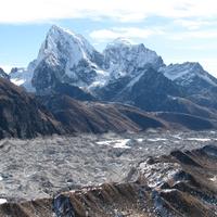 Szenvednek a gleccserek a Himalája térségében is