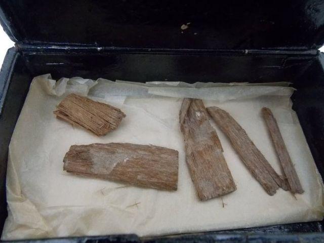 Szivardobozban találtak meg egy, a  gízai nagy piramisból származó leletet