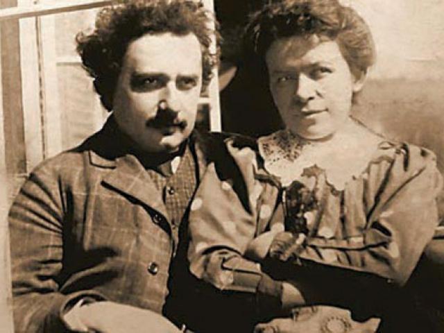 Posztumusz diploma Einstein feleségének