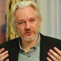 Az Assange-sztori folytatódik
