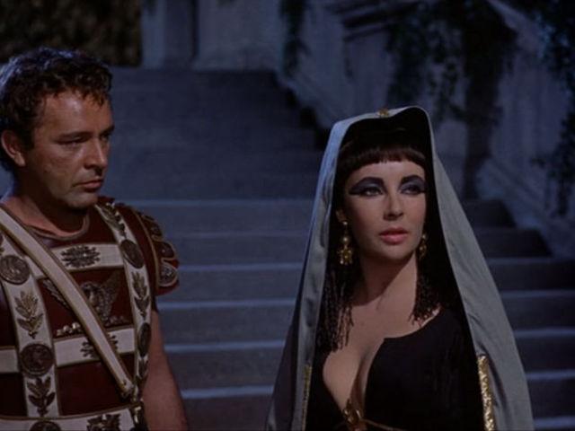Zahi Hawass megtalálta Kleopátra sírját?