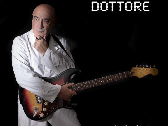 Amikor a doktor dalokat ír és rockot játszik a betegeknek