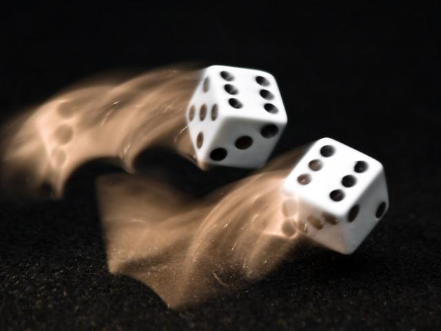 Hogyan lehet a dobókockákat manipulálni?