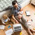 Az otthon végzett munka demitizálja a szülőket
