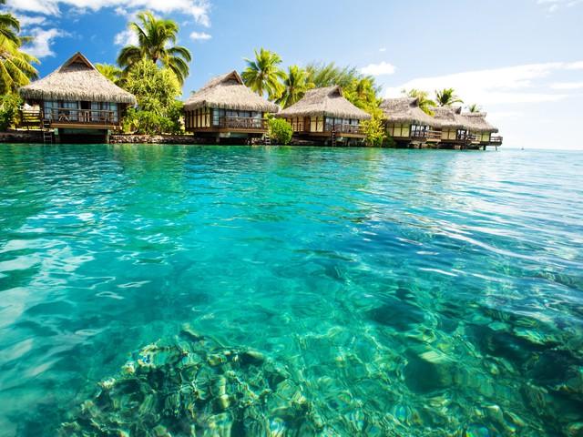 Úszó város Francia-Polinéziában