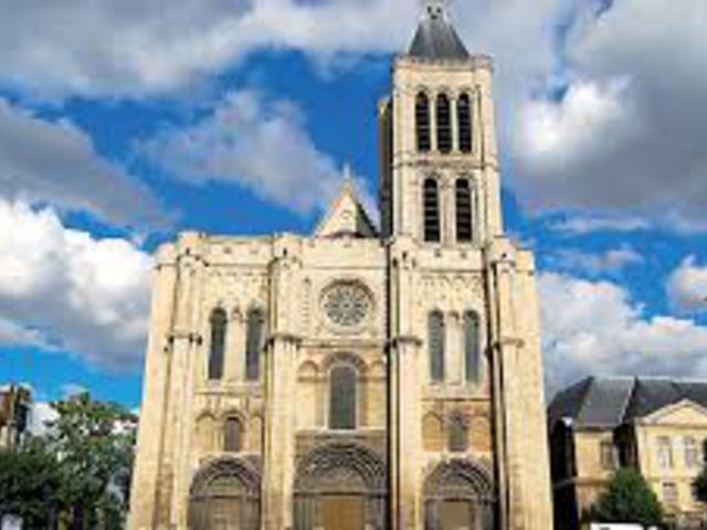 Újraépítik-e a Saint-Denis bazilika hiányzó tornyát?