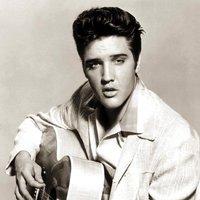 Amikor Elvis kilépett a házból