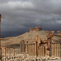Árverési cégek legalizálják az IS zsákmányait
