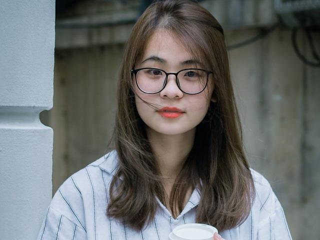 A japán nők tiltakoznak a munkahelyi szemüveg-viselési tilalom ellen