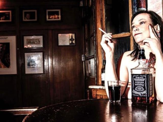 Nudista bár lesz London egyik híres pubja?