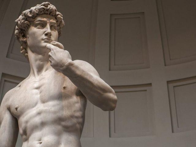 Michelangelo Dávidja kővé vált óriás?